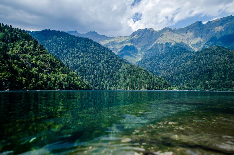 озеро рица абхазия отели на берегу